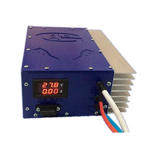 Универсальное 3-х стадийное зарядное устройство BRES CF-350-24 PRO IP56